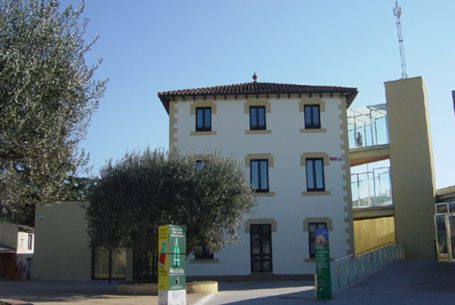 RENOVATION AND EXTENSION OF BUILDING classified as nursing homes and music schools IN L'AMETLLA DEL VALLES